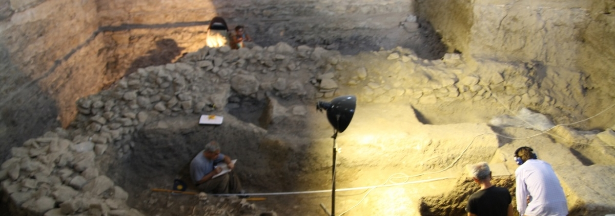 archaeology students testing documentation techniques