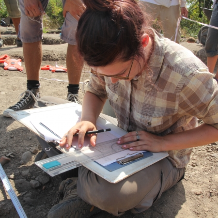 archaeologist student drawing