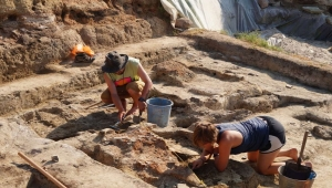 archaeology student excavating chalcolithic during a field school